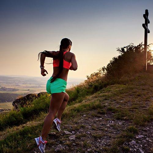 Trailrunning voor dames. Als je niet bang bent voor wat modderspetters