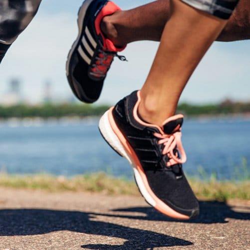 Neutrale hardloopschoenen bij een neutrale loopstijl
